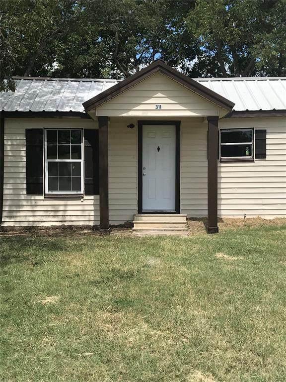 311 E Jasper Street, Jacksboro, TX 76458 (MLS #14668617) :: Lisa Birdsong Group   Compass