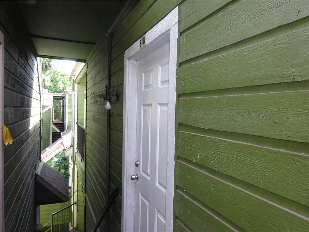 9803 Walnut Street - Photo 1