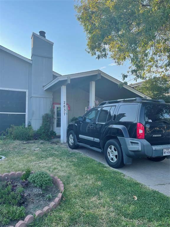 2637 Isbella Drive, Grand Prairie, TX 75052 (MLS #14670216) :: The Tierny Jordan Network