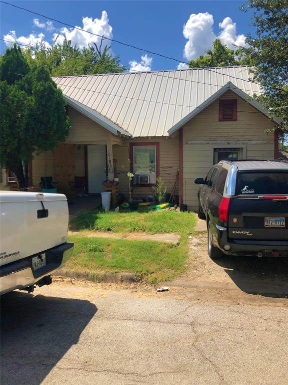 1017 N Clements Street, Gainesville, TX 76240 (MLS #14671515) :: Real Estate By Design