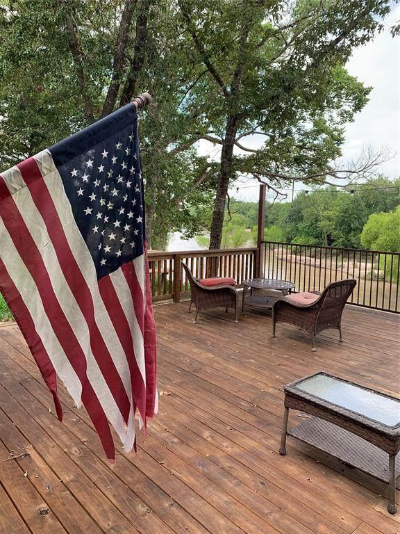 111 W 321 Road W, Cayuga, TX 75832 (MLS #14672460) :: The Good Home Team