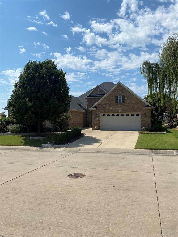 10012 Edmondson Drive, Denton, TX 76207 (MLS #14674319) :: Real Estate By Design