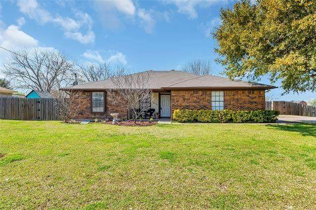 1616 Ann And Dossy Court, Crowley, TX 76036 (MLS #14674857) :: Keller Williams Realty