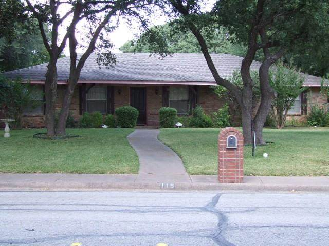 115 Mantlebrook Drive, Desoto, TX 75115 (MLS #14676006) :: RE/MAX Pinnacle Group REALTORS