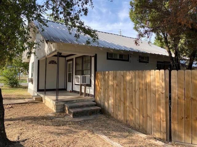 1701 NE Cedar Street, Mineral Wells, TX 76067 (MLS #14676333) :: VIVO Realty