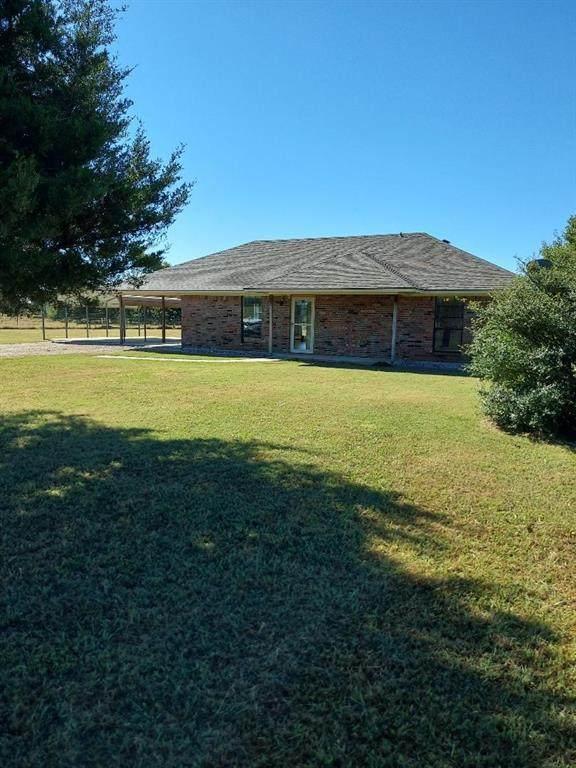 406 Cedar Crest, Gainesville, TX 76240 (MLS #14676795) :: Frankie Arthur Real Estate