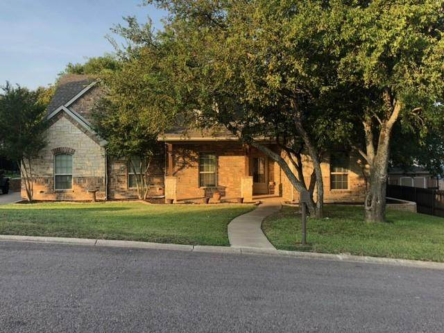 7317 Vista Cliff Drive, Fort Worth, TX 76179 (MLS #14677401) :: Russell Realty Group