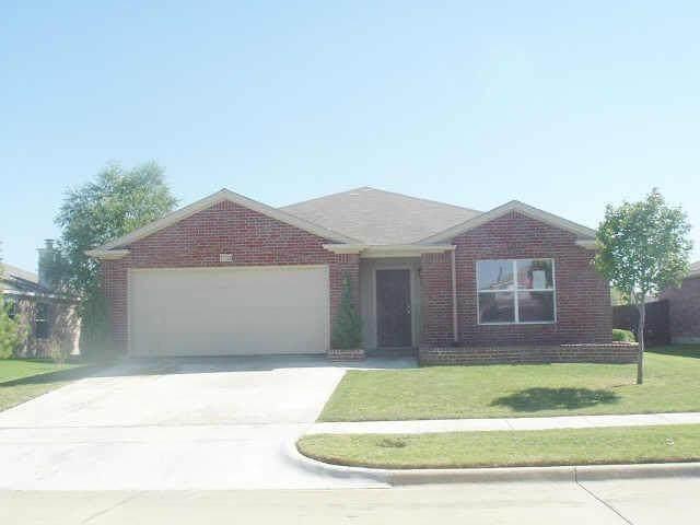 1302 Kilkenny Drive, Arlington, TX 76002 (MLS #14677459) :: Trinity Premier Properties