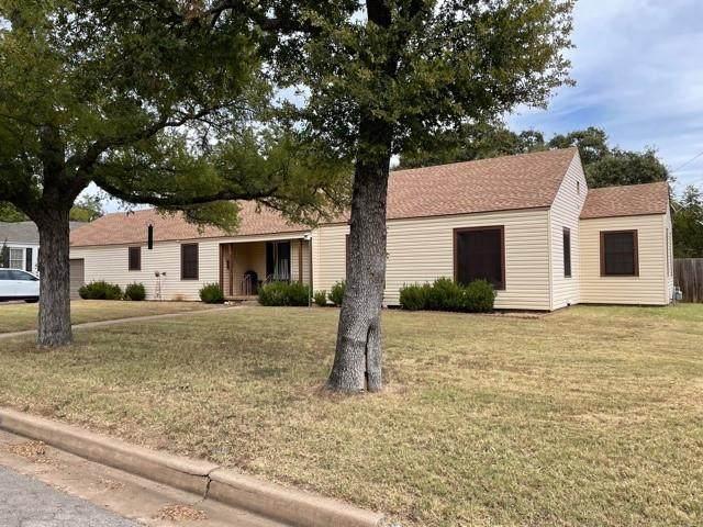 2300 NW 4th Avenue, Mineral Wells, TX 76067 (MLS #14678651) :: Craig Properties Group