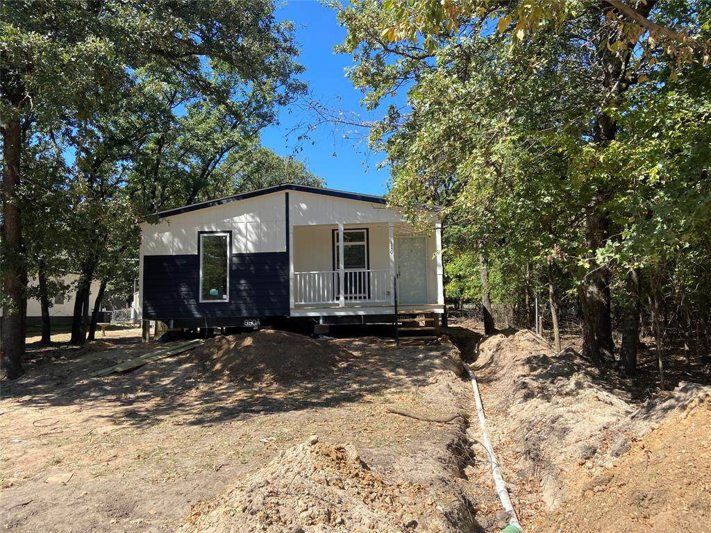 1705 Coral Road - Photo 1