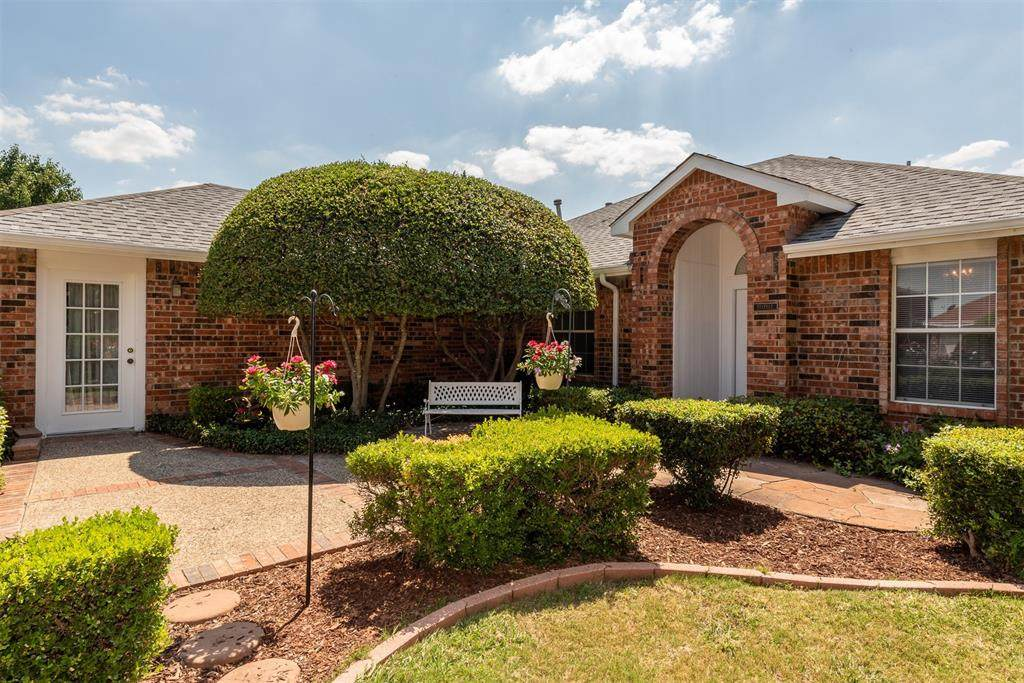 8504 Clearbrook Drive - Photo 1