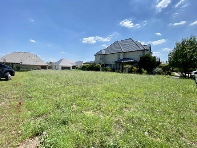 8001 Comanche Way, Mckinney, TX 75070 (MLS #14682752) :: Craig Properties Group
