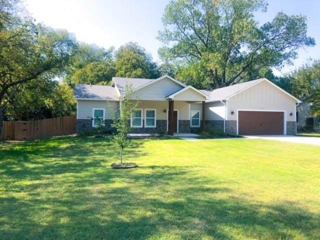 611 N Rusk Street, Weatherford, TX 76086 (MLS #14686893) :: Justin Bassett Realty