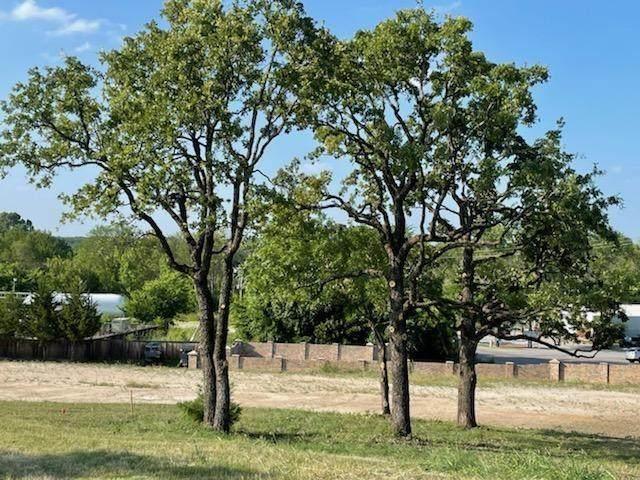 12616 Indian Creek Drive, Fort Worth, TX 76179 (MLS #14689199) :: Jones-Papadopoulos & Co