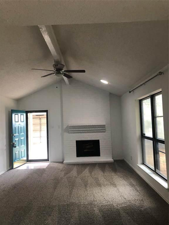310 Lochridge Drive, Azle, TX 76020 (MLS #14689440) :: Trinity Premier Properties