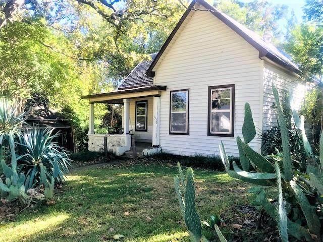 1330 W Chestnut Street, Denison, TX 75020 (MLS #14691050) :: The Rhodes Team