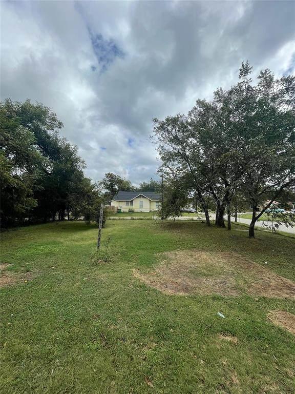 000 Bourland Street, Greenville, TX 75401 (MLS #14691496) :: Lisa Birdsong Group | Compass