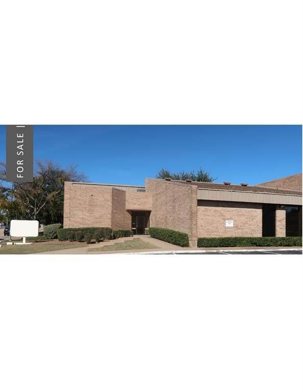 425 Westpark Way, Euless, TX 76040 (MLS #14692433) :: The Kimberly Davis Group
