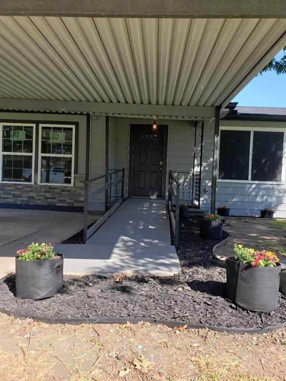 808 Clyde Street, White Settlement, TX 76108 (MLS #14692681) :: Lisa Birdsong Group | Compass