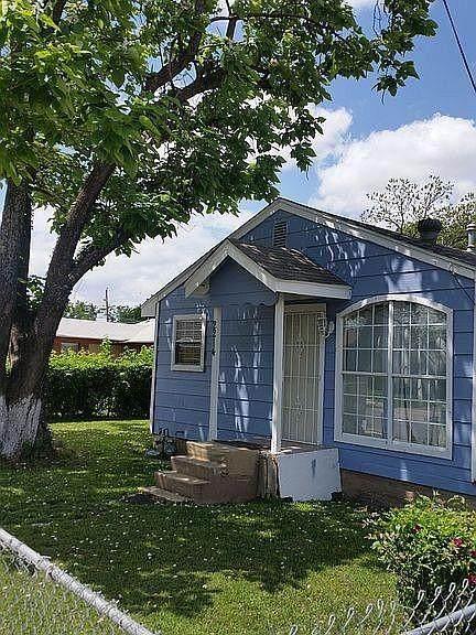 2214 Spikes Street, Grand Prairie, TX 75051 (MLS #14694645) :: The Good Home Team