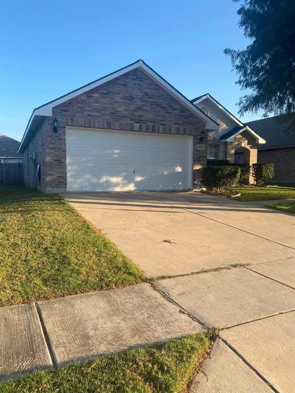 12644 Shady Cedar Drive, Fort Worth, TX 76244 (MLS #14695373) :: Lisa Birdsong Group | Compass