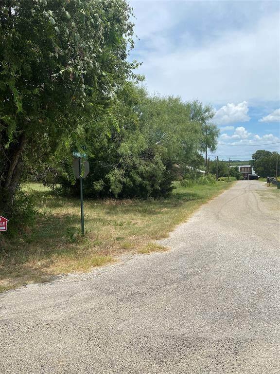 3214 Lowland Drive, Granbury, TX 76048 (MLS #14696148) :: Premier Properties Group