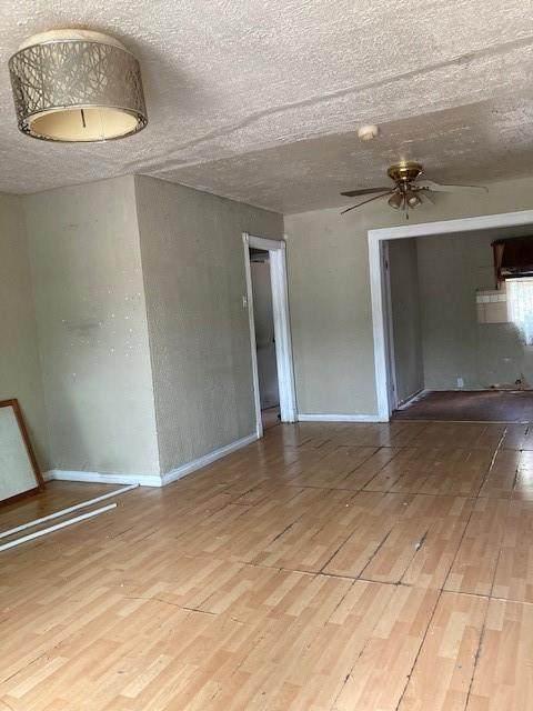3706 Dawes Drive, Dallas, TX 75211 (MLS #14696630) :: Hargrove Realty Group
