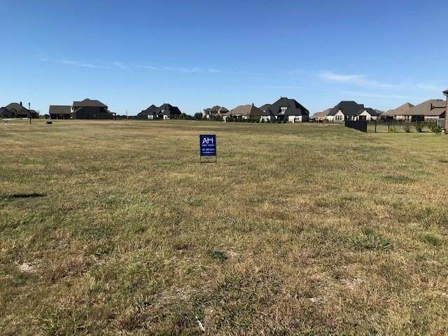 1701 Eagle Glen Pass, Gunter, TX 75058 (MLS #14697160) :: Team Hodnett