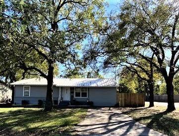 925 W 11th Street, Bonham, TX 75418 (MLS #14697998) :: Real Estate By Design