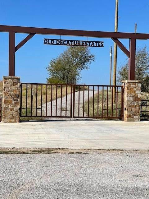 108 Cedar Oaka Drive, Decatur, TX 76234 (MLS #14698407) :: The Hornburg Real Estate Group