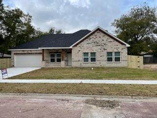 527 N Commerce Street, Gainesville, TX 76240 (MLS #14699228) :: Real Estate By Design
