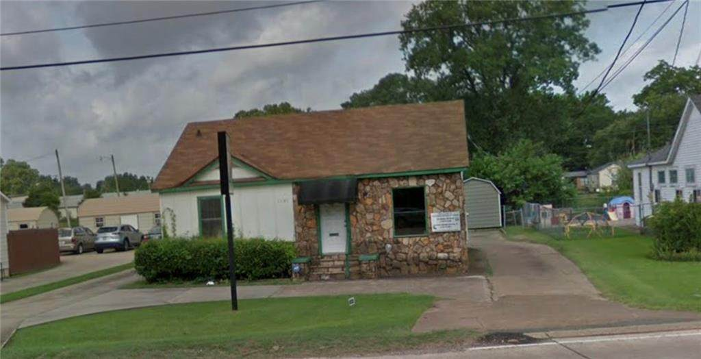 1105 Benton Road - Photo 1