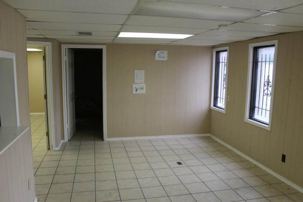 525 Henderson Street - Photo 1