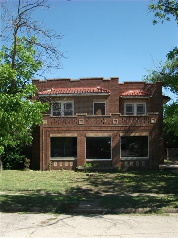 310 W College, Coleman, TX 76834 (MLS #13380740) :: Team Hodnett