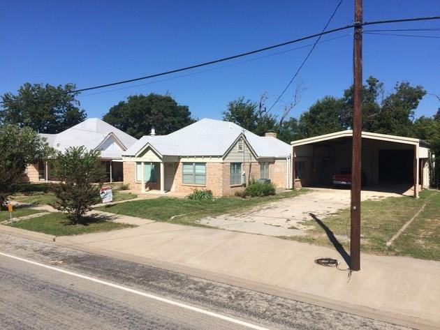702 W Walnut Street, Coleman, TX 76834 (MLS #13470711) :: Team Hodnett