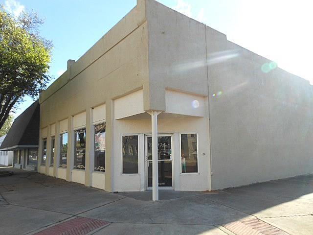 201 S Lamar Street, Eastland, TX 76448 (MLS #13563870) :: Team Hodnett