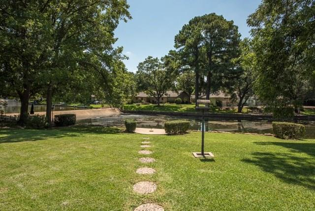 2208 Briarwood Boulevard, Arlington, TX 76013 (MLS #13676094) :: The Mitchell Group
