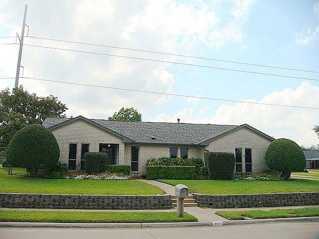 402 Sumner Drive, Mesquite, TX 75149 (MLS #13696685) :: Team Hodnett