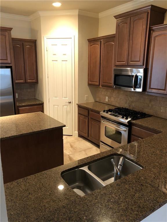 2210 Marilla Street, Dallas, TX 75201 (MLS #13761173) :: Frankie Arthur Real Estate