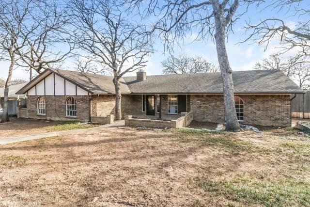 2811 Oak Valley Drive, Arlington, TX 76016 (MLS #13764885) :: Team Hodnett