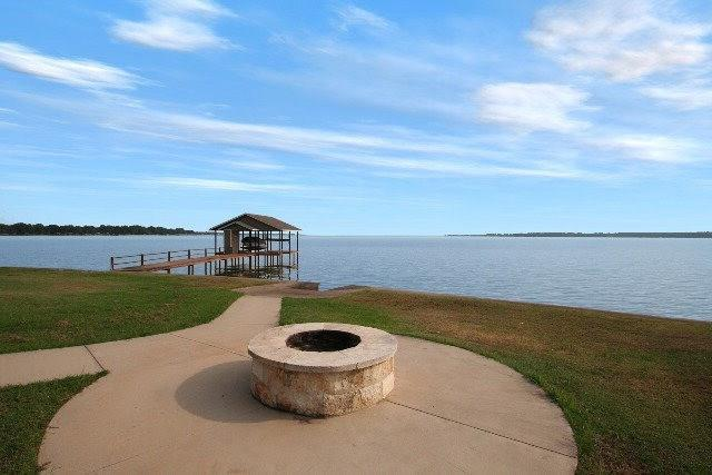 207 Seaside Drive, Gun Barrel City, TX 75156 (MLS #13769487) :: The Kimberly Davis Group