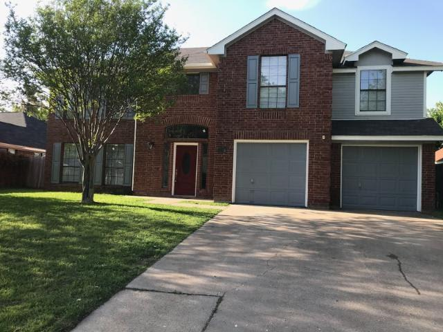 326 Baldwin Street, Grand Prairie, TX 75052 (MLS #13820798) :: The FIRE Group at Keller Williams