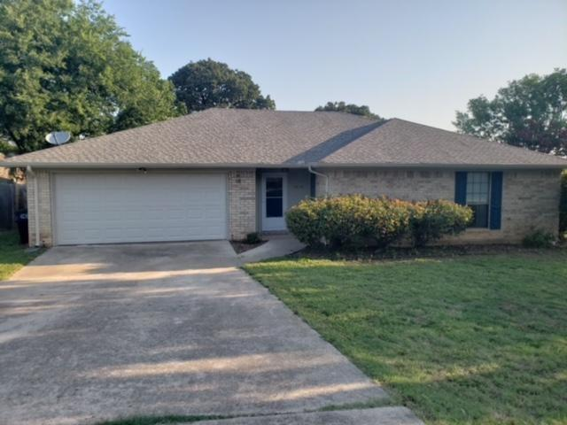1515 Misty Glen, Corinth, TX 76210 (MLS #13878384) :: Frankie Arthur Real Estate