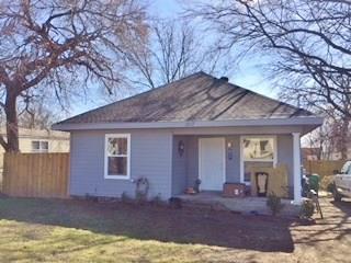 1107 Jefferson Street, Bowie, TX 76230 (MLS #13884536) :: Team Hodnett