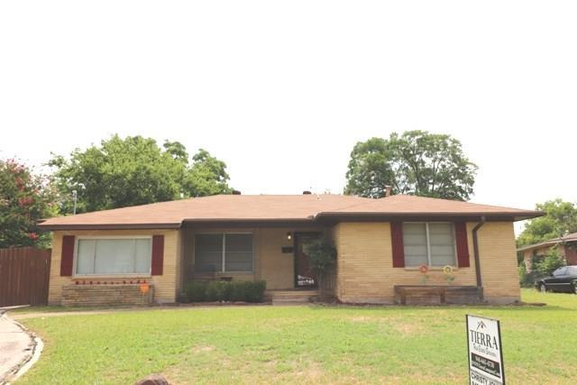 1208 Belmont Street, Gainesville, TX 76240 (MLS #13888581) :: Magnolia Realty