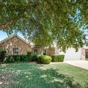 8400 Christie Drive, Frisco, TX 75033 (MLS #13898123) :: Team Hodnett
