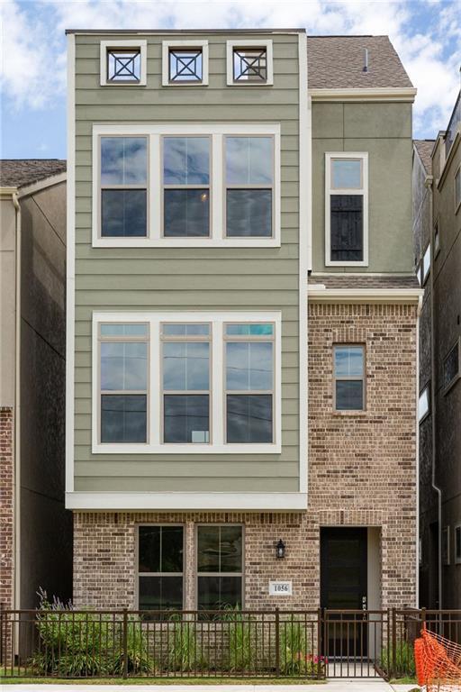 1056 Manacor Lane, Dallas, TX 75212 (MLS #13912017) :: The Real Estate Station