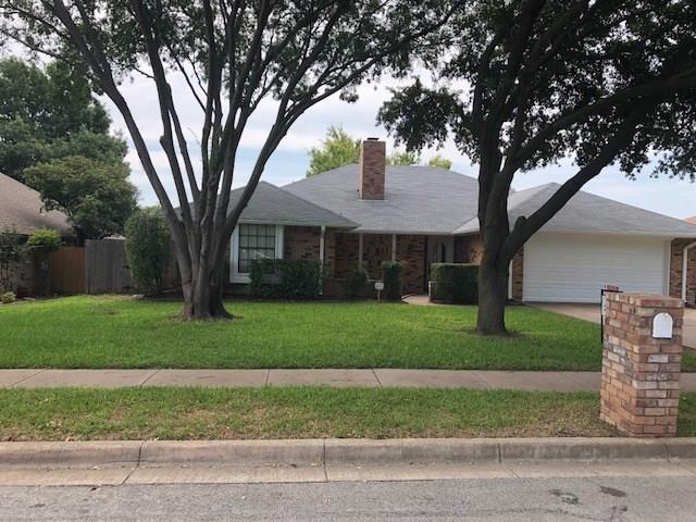 449 Meadowhill Drive, Benbrook, TX 76126 (MLS #13916069) :: Team Hodnett