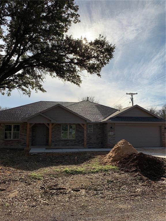 1400 Blackhawk Circle, Granbury, TX 76048 (MLS #13934944) :: The Real Estate Station