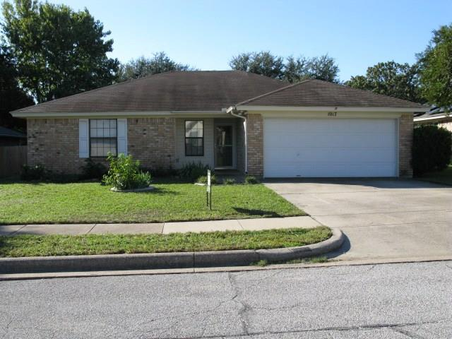 1017 Green Ridge Terrace, Saginaw, TX 76179 (MLS #13962797) :: RE/MAX Town & Country